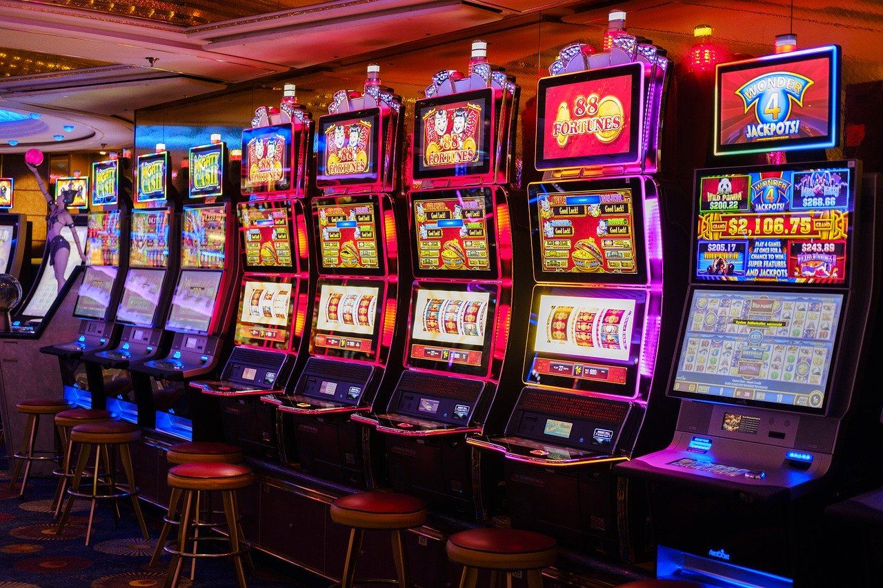 Pros And Cons of Online Slot Machines – 2021 guide